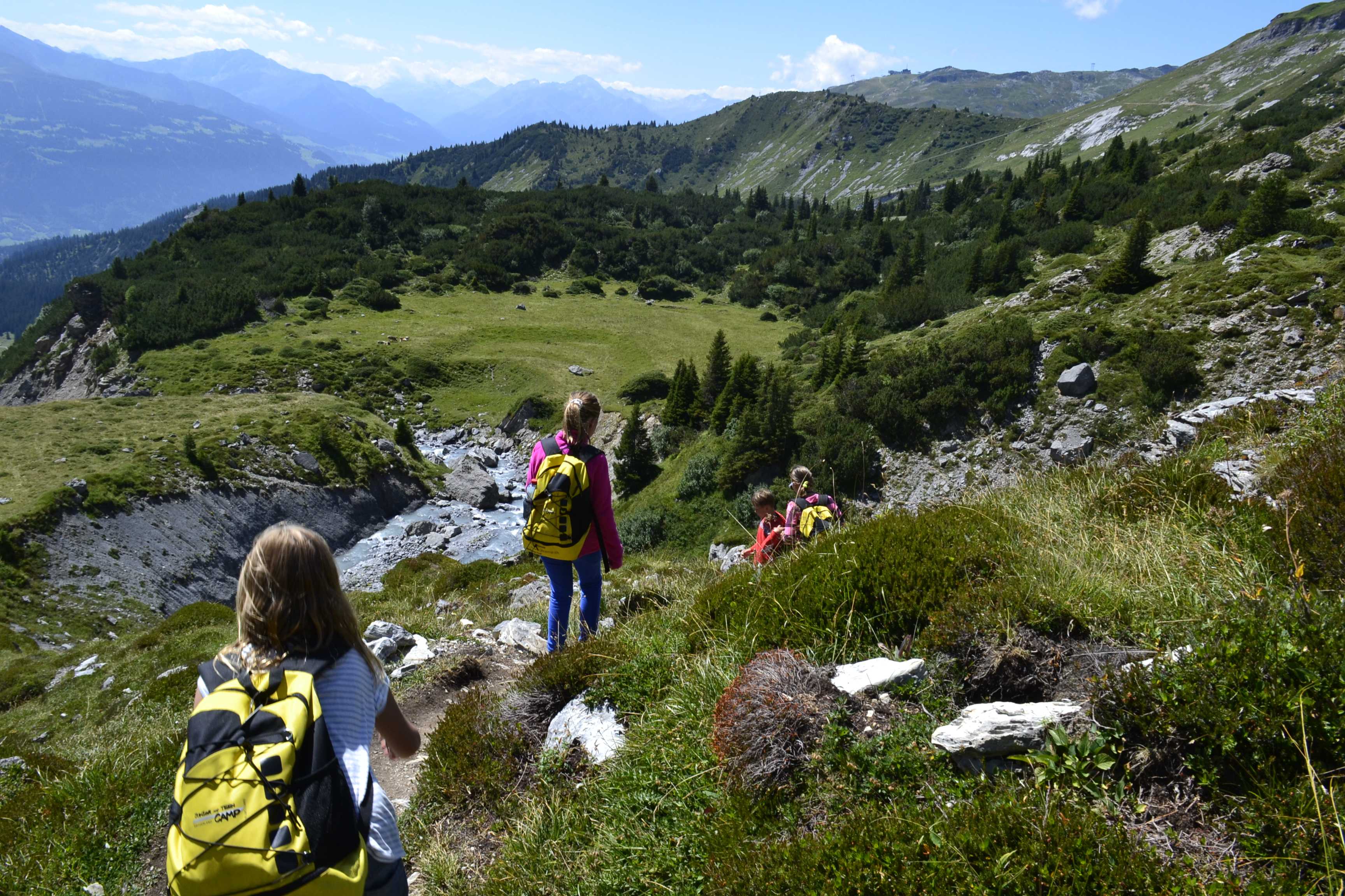 Hiking-mountains-laax-kids-camp-teenagers-switzerland