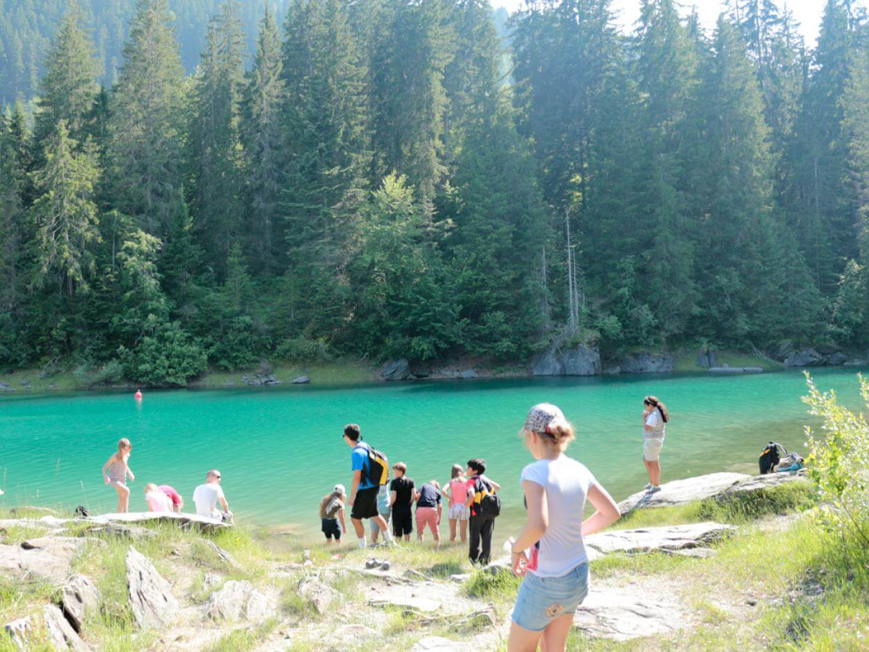 Summer-camp-in-Switzerland-cauma-lake