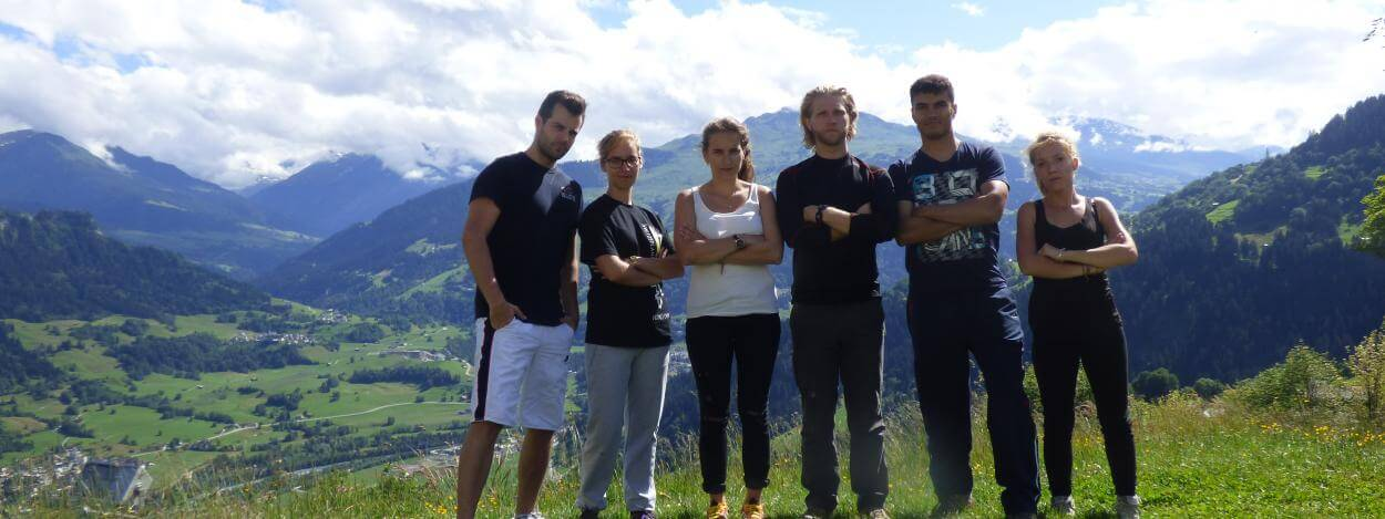 Summer-camp-switzerland-group-picture-nature